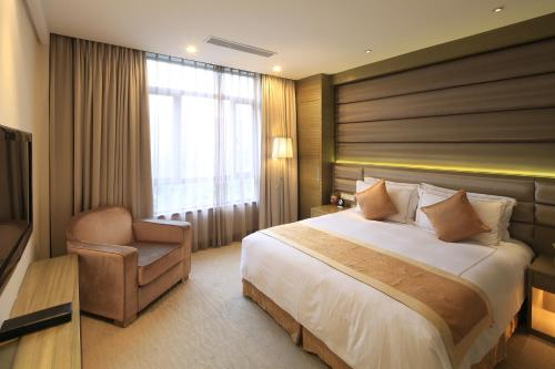 Ramada Plaza Shanghai Caohejing Hotel photo 55