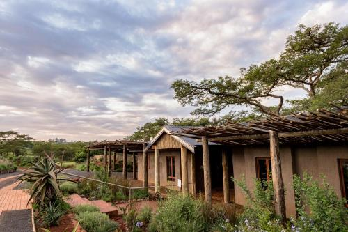 The Hilton Bush Lodge Photo