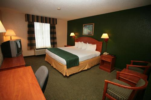Americas Best Value Inn Louisville Photo
