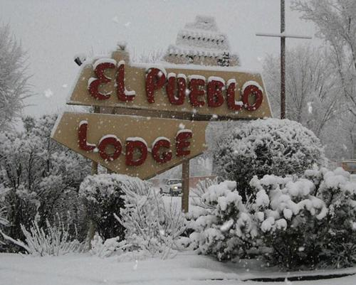 El Pueblo Lodge Photo