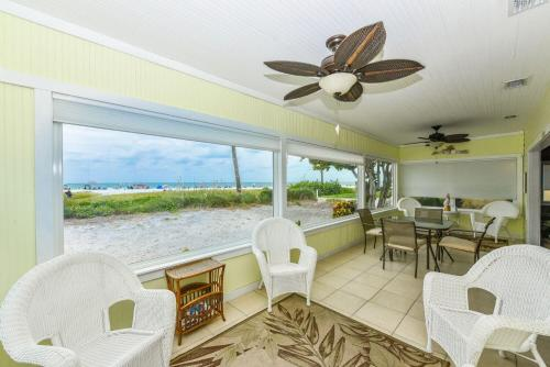 Siesta Key Beachside Villas Photo