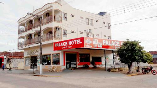 Central Palace Hotel Photo