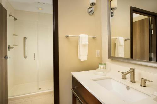 Homewood Suites by Hilton Midland Photo