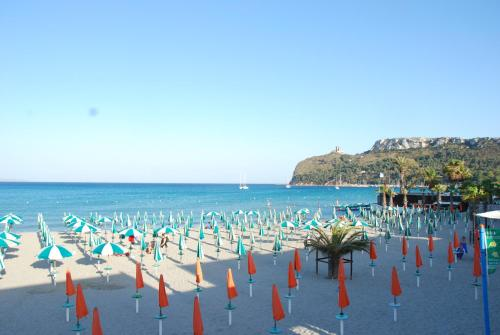 offerte sardegna per SELF CATERING STUDIO ON POETTO BEACH CAGLIARI