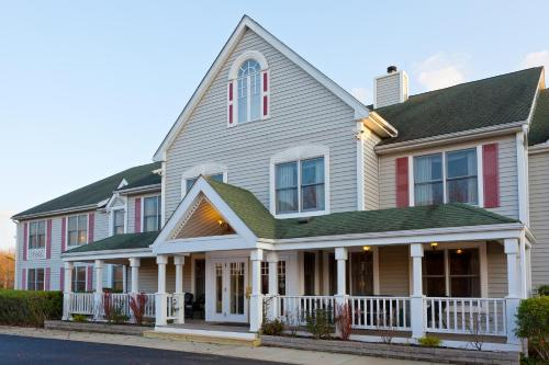 Country Inn by Carlson Millville Photo