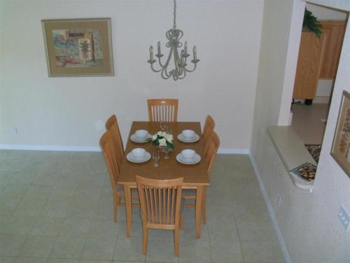 Regal Oaks Townhouse 2413 Photo