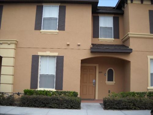 Regal Oaks Townhouse 24 2404 Photo