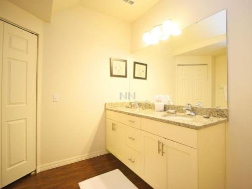 Lucaya Village Apartment 1697 Photo