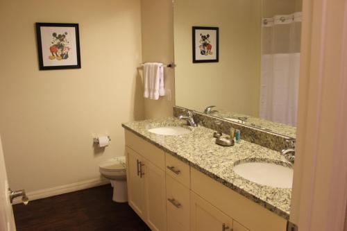 Lucaya Village Townhouse 2505 Photo
