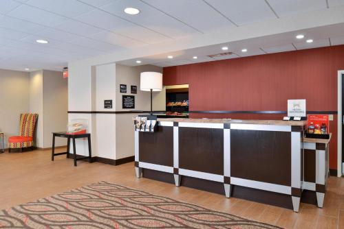 Hampton Inn & Suites California University-Pittsburgh in Coal Center