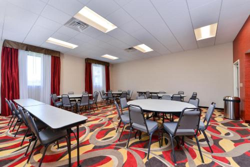 Hampton Inn & Suites California University-Pittsburgh Photo
