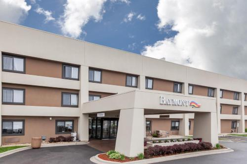 Baymont Inn & Suites Glenview Photo