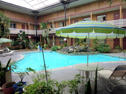 Americas Best Value Inn - Arlington/Dallas Photo