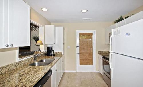 Queens Folly Townhome 45 680 Photo