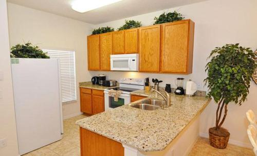 Ada Townhome 4571 Photo