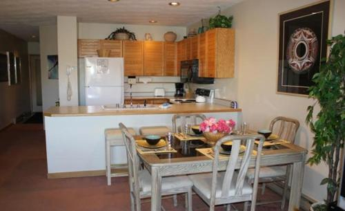 Tenderfoot Condo 460 Photo