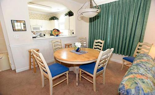 Catalina Condo 5825 1221 Photo