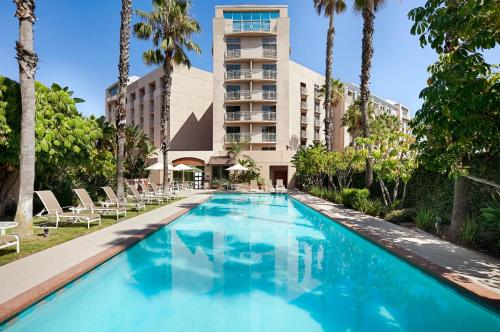 Embassy Suites by Hilton Brea - North Orange County Photo