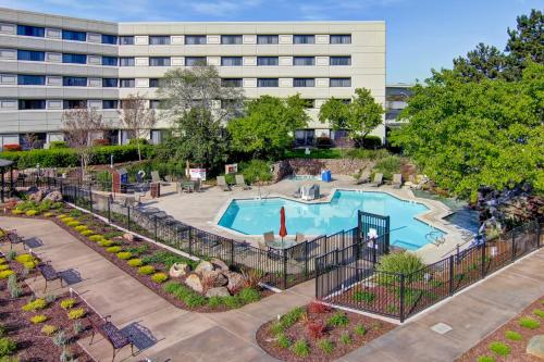 DoubleTree by Hilton Pleasanton at The Club Photo