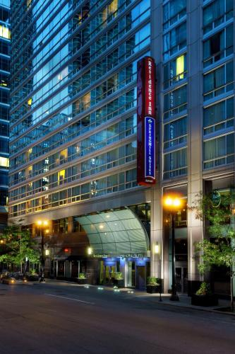 SpringHill Suites Chicago Downtown/River North Photo