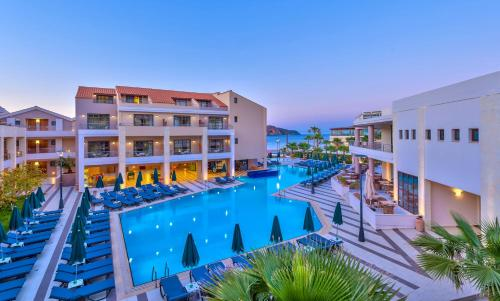 Porto Platanias Beach Resort & Spa, green hotel in Plataniás, Greece