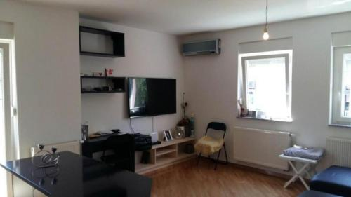 http://www.booking.com/hotel/hr/apartment-matic-zagreb.html?aid=1728672
