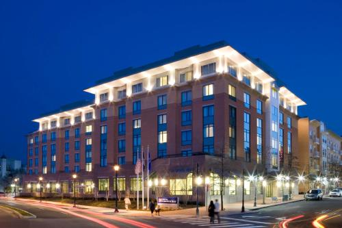 Hilton Garden Inn Shirlington Photo