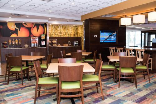 Fairfield Inn & Suites by Marriott Edmonton North Photo