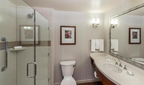 Hilton Garden Inn Alexandria Old Town Photo