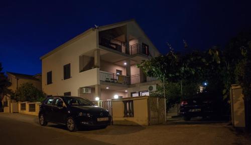 Apartments Vranes Tivat, Тиват