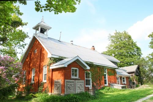 Picturesque School House Retreat Photo