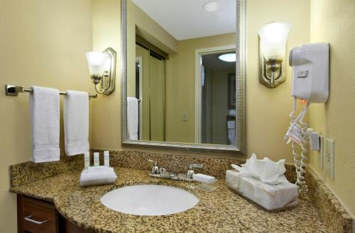 Homewood Suites by Hilton Chesapeake - Greenbrier Photo