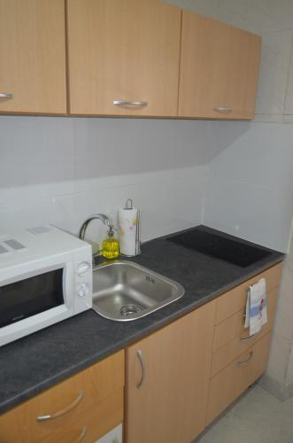http://www.booking.com/hotel/pt/looking-river-se-comfy-apartment.html?aid=1728672