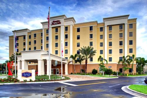 Hampton Inn and Suites Coconut Creek Photo