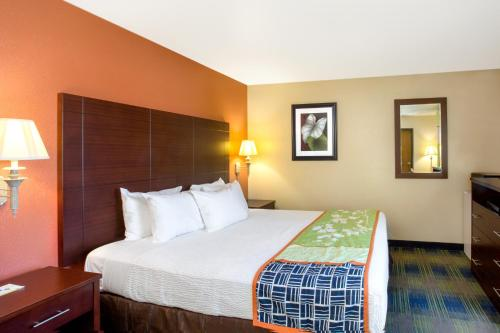 Days Inn Fremont - Fremont, CA 94539