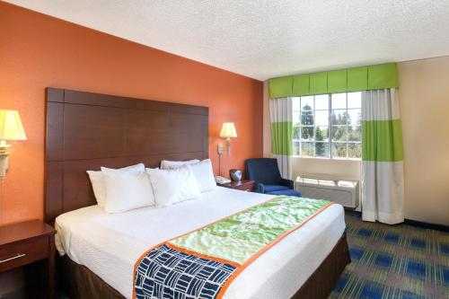 Days Inn Fremont Photo