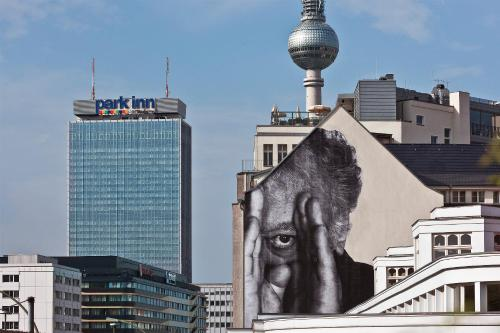 Park Inn by Radisson Berlin Alexanderplatz photo 3