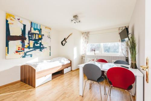 Studio Apartment Hohenberg, Кельн