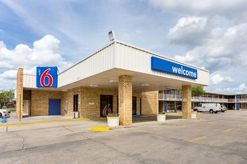 Motel 6 Baton Rouge Southeast