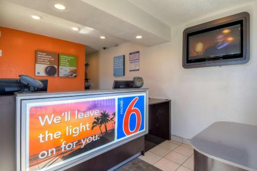 Motel 6 Los Angeles - Long Beach - Long Beach, CA 90804