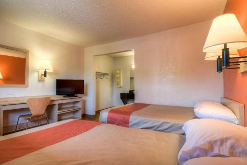 Motel 6 Los Angeles - Baldwin Park Photo