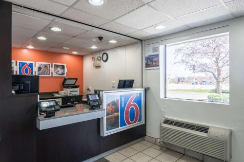 Motel 6 Chicago Southwest - Aurora - Aurora, IL 60504