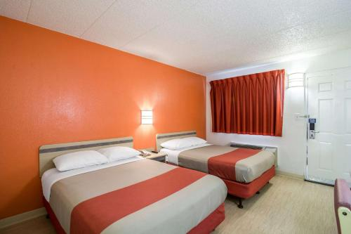 Motel 6 Chicago Southwest - Aurora Photo