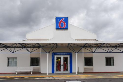 Motel 6 Providence East Photo