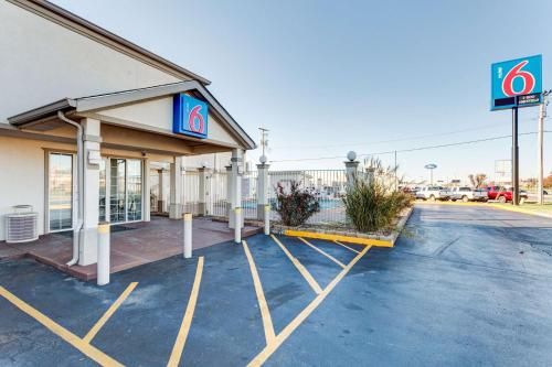 Motel 6 Bowling Green - Kentucky Photo