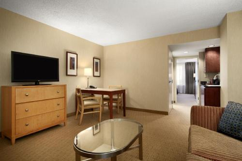 Embassy Suites Washington D.C. - Convention Center photo 14
