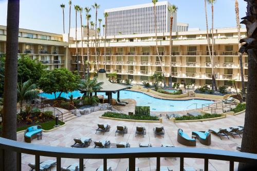Los Angeles Airport Marriott photo 29