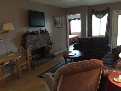 Gatlinburg Chateau Apartment #103 Photo