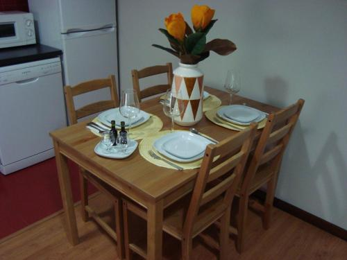 http://www.booking.com/hotel/pt/the-formosa-downtown-apartment.html?aid=1728672