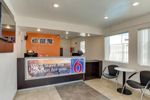 Motel 6 Albuquerque - Carlisle Photo